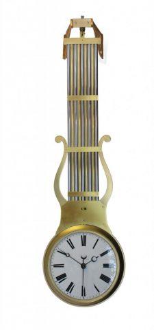 swinging-clock-freischwinger